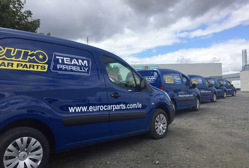 customised_team_prreilly_van_by_europcar