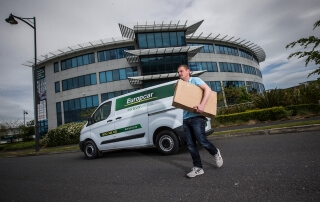 delivery_man_europcar